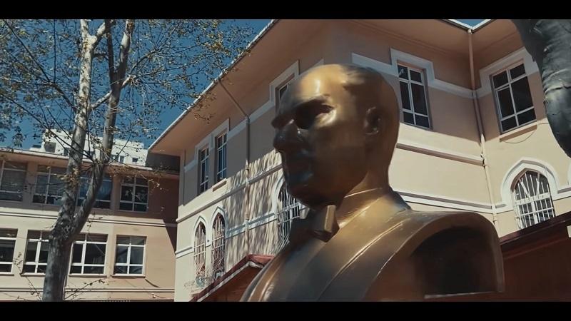 Yapı Kredi, 23 Nisan'ın 100. yılını duygusal bir filmle kutluyor