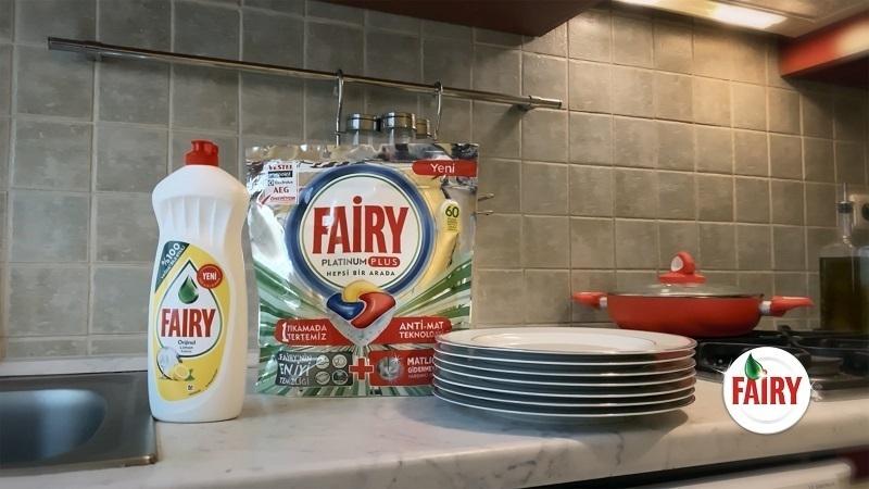 """Fairy'nin evden çekilen reklam filmi """"Boşa Harcama"""" diyor"""