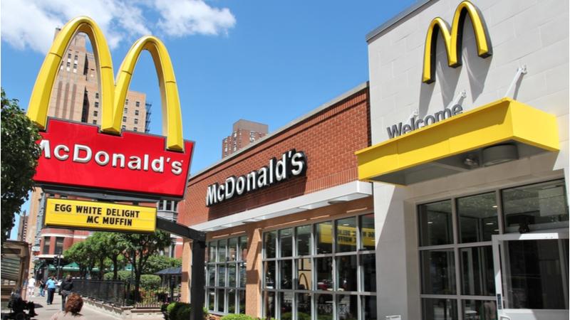 McDonald's ABD'de gelirinin yüzde 10'unu çalışanlarına vereceğini duyurdu