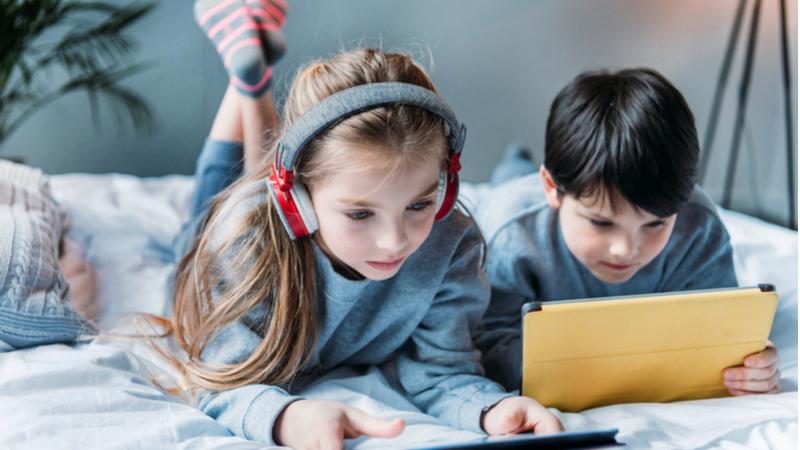 Türkiye'de anne babaların yüzde 39'u çocuklarının izlediği video ve diğer dijital içeriklerin ne olduğunu bilmiyor