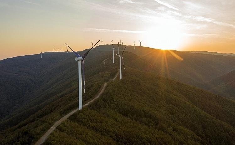 """Aydem Yenilenebilir Enerji'den """"saygı"""" temalı ilk sürdürülebilirlik raporu"""