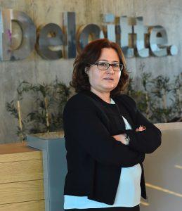 Deloitte'un yeni araştırmasına göre Y ve Z kuşağı COVID-19'u yeniden başlama fırsatı olarak görüyor