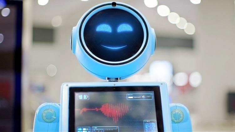 İGA Robotun yalnız ve özlem dolubekleyişi