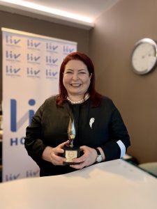 Uluslararası Kadınlar Dayanışma Derneğinden Senur Akın Biçer'e büyük ödül