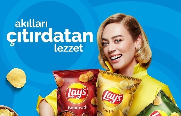 Demet Evgar'dan ev yapımı Lay's reklamı