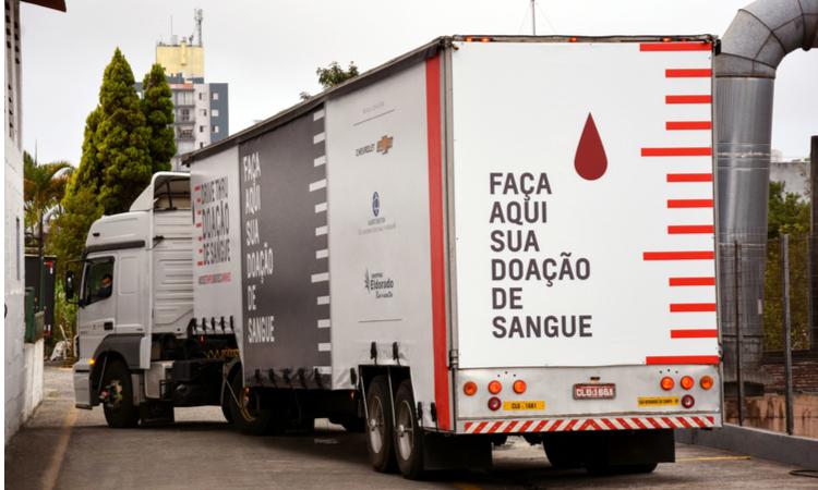 Chevrolet, kamyonunu kan bağışı merkezine çeviriyor