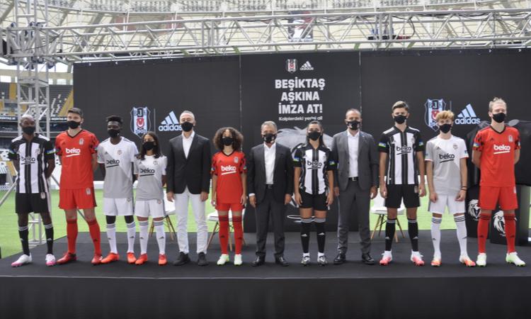 Beşiktaş yeni formalarını tanıttı
