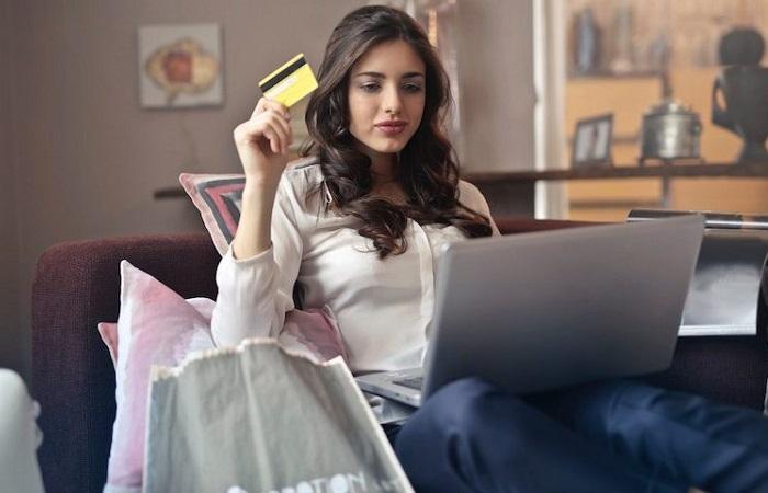 Pandemi, kadınların online alışveriş alışkanlıklarınıdeğiştirdi: Sepette artık kozmetikten çok gıda var...