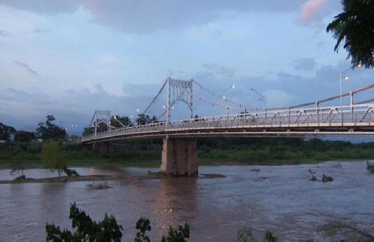Tufandan önce Choluteca Köprüsü
