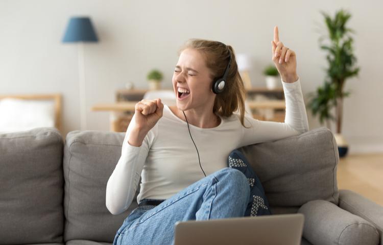Evden çalışanlara ilaç gibi müzik listesi