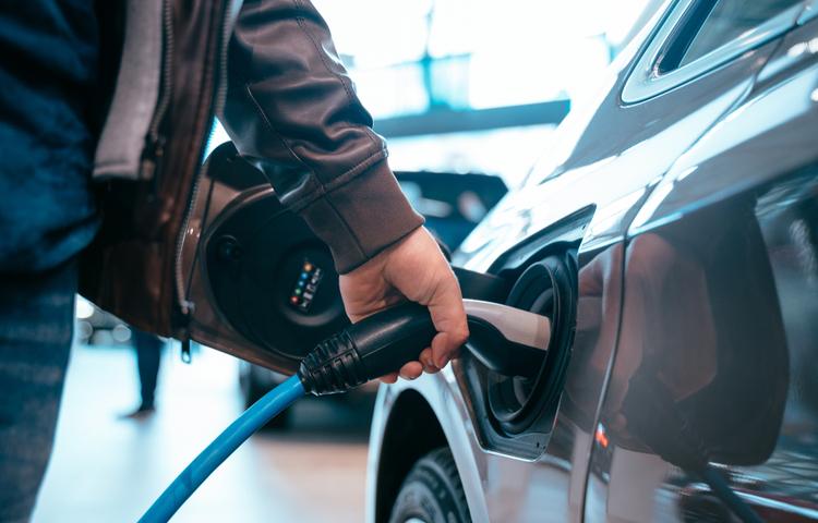 Pazarlamacılar elektrikli otomobil konusunda sürücüleri nasıl ikna edecek?