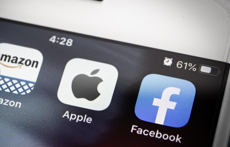 Apple ve Facebook arasındaki gerilim artıyor! Peki...