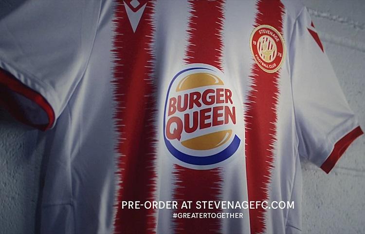 """""""Burger Queen"""" Stevenage ile tekrar sahalarda"""