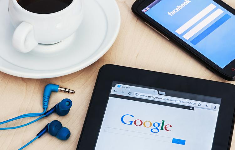 """Google ve Facebook haber platformlarına """"paylaşım bedeli"""" ödeyecek!"""