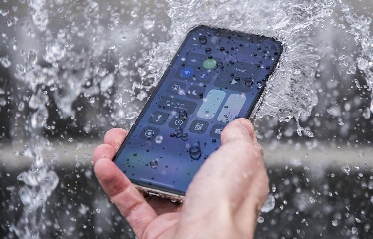 Apple'a kullanıcıları yanıltmaktan 10 milyon Euro ceza
