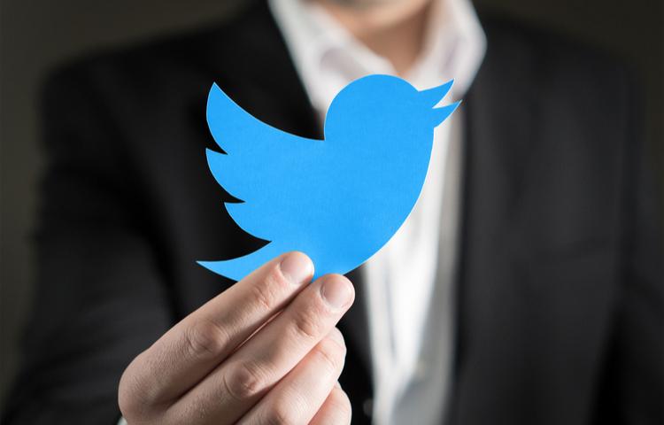 Twitter Türkiye'de devlet görevlilerini etiketledi
