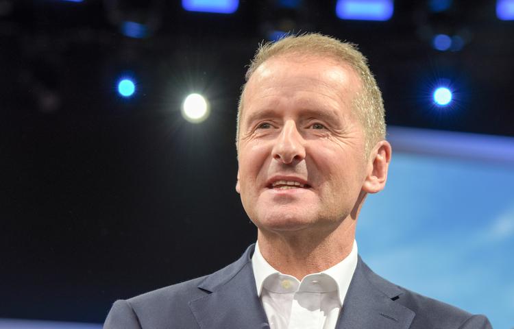 Volkswagen CEO'su Apple'a meydan okudu