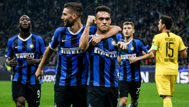 İtalya'nın futbol devi logosunu değiştirdi!