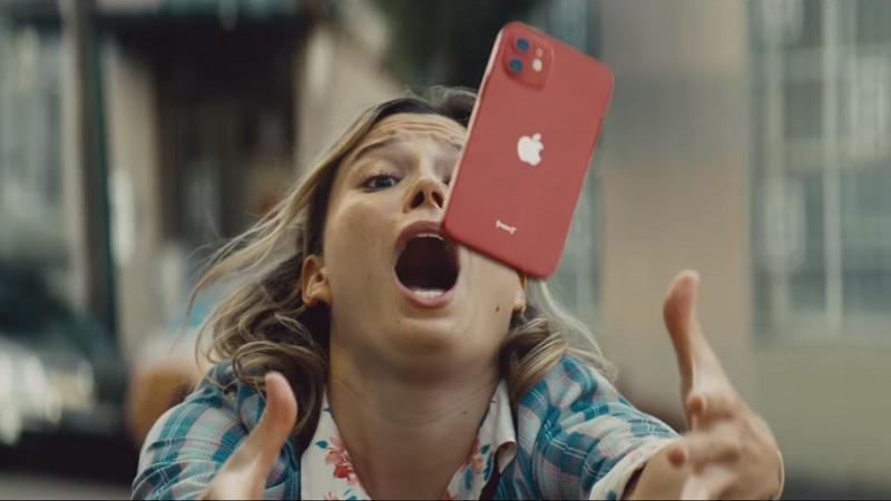 iPhone12 reklamında korku dolu anlar!