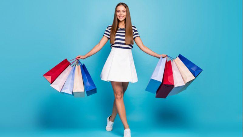 Aşırı tüketimin zararlarını biliyoruz ama kendimizi alışverişten de alamıyoruz!
