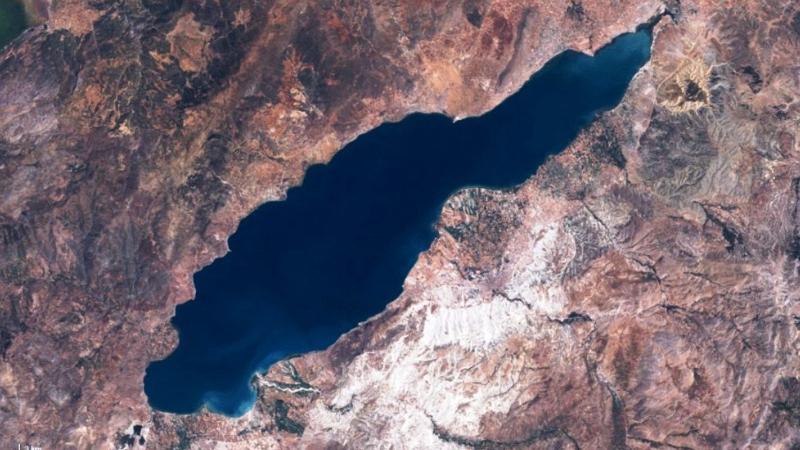 Burdur Gölü'nü işte böyle tükettik!