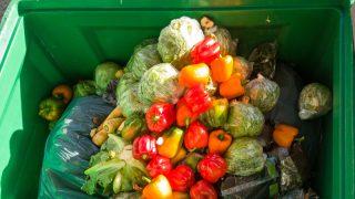 Yemek israf edenlerle, aşırı gıda tüketimini teşvik edenlere ceza!
