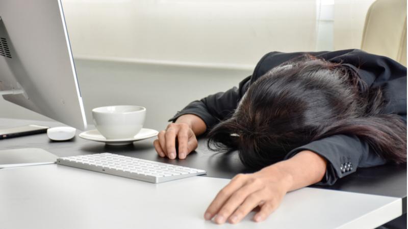 Uzun çalışma saatleri ölüme neden oluyor!