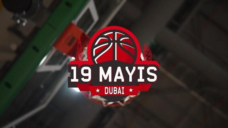 """""""Bizim Expat'ların"""" Dubai'de coşkulu 19 Mayıs Ruhu"""