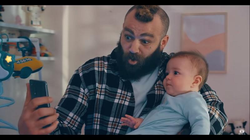 """OPPO yeni reklam filminde """"Hayatımız bir film olsa"""" diyenleri başrole taşıyor…"""