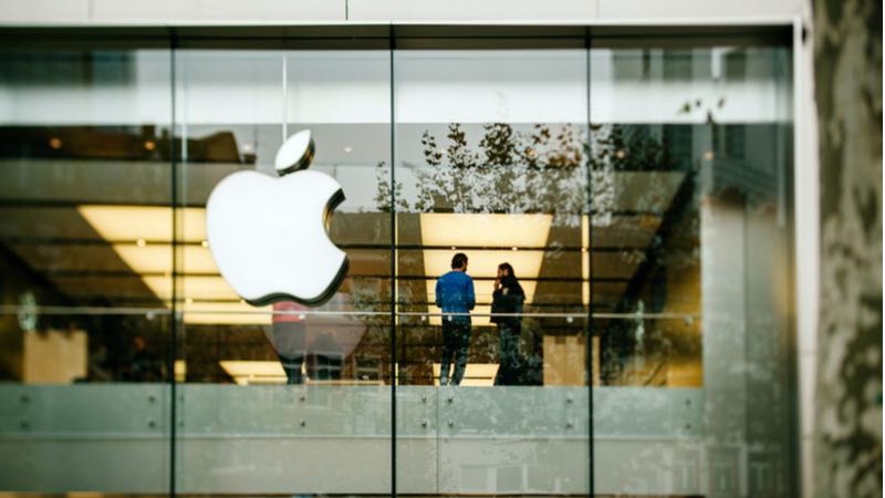 """Apple çalışanlarından Tim Cook'un """"Ofise dönün"""" çağrısına yanıt geldi!"""