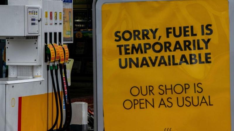 İngiltere'de yakıt krizi körükleniyor – Son 24 saatin gündemi